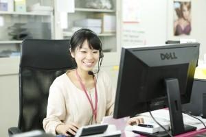 電話やメールで商品購入時の返品・交換にも無料で対応する。(フィッティングサービス対象商品のみ)
